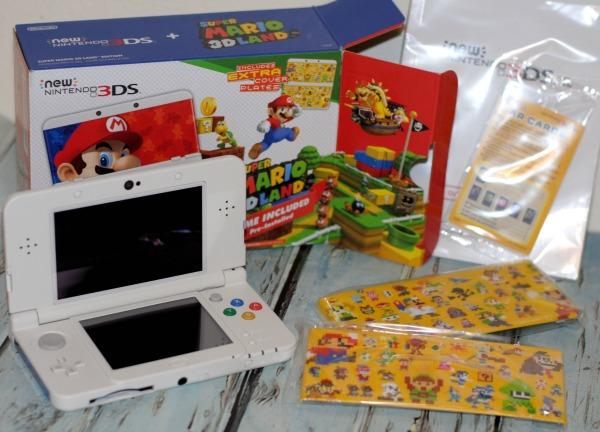 3DS-Super-Mario-3D-Land-Edition-Bundle
